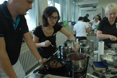 Das Team des Medien Centrums Giesdorf war ebenso erfolgreich wie die sieben weiteren Mannschaften der Kocholympiade. ©IHK Lippe