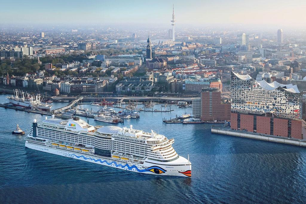 Schiff im Hafen