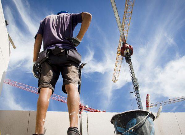 Lohn-Plus und Wegezeit-Entschädigung für Bauarbeiter im Kreis Lippe gefordert